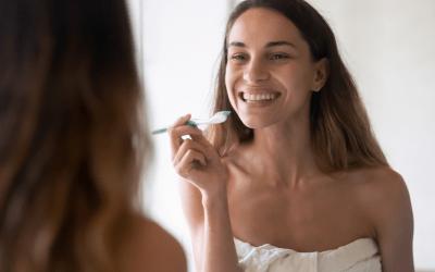 ¿Cuántas veces al día debo cepillarme los dientes? ¿Con qué frecuencia debo cambiar mi cepillo de dientes?